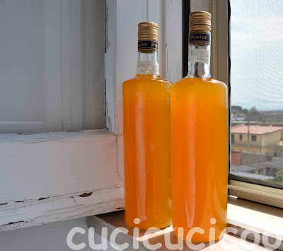 How to make arancello (orange liqueur)