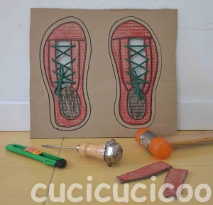 Shoe tying board