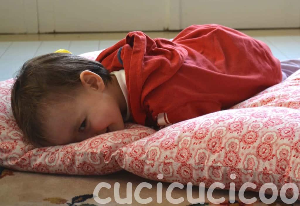 DIY portable pillow floor beds