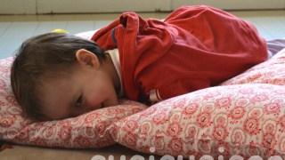 Portable pillow floor beds