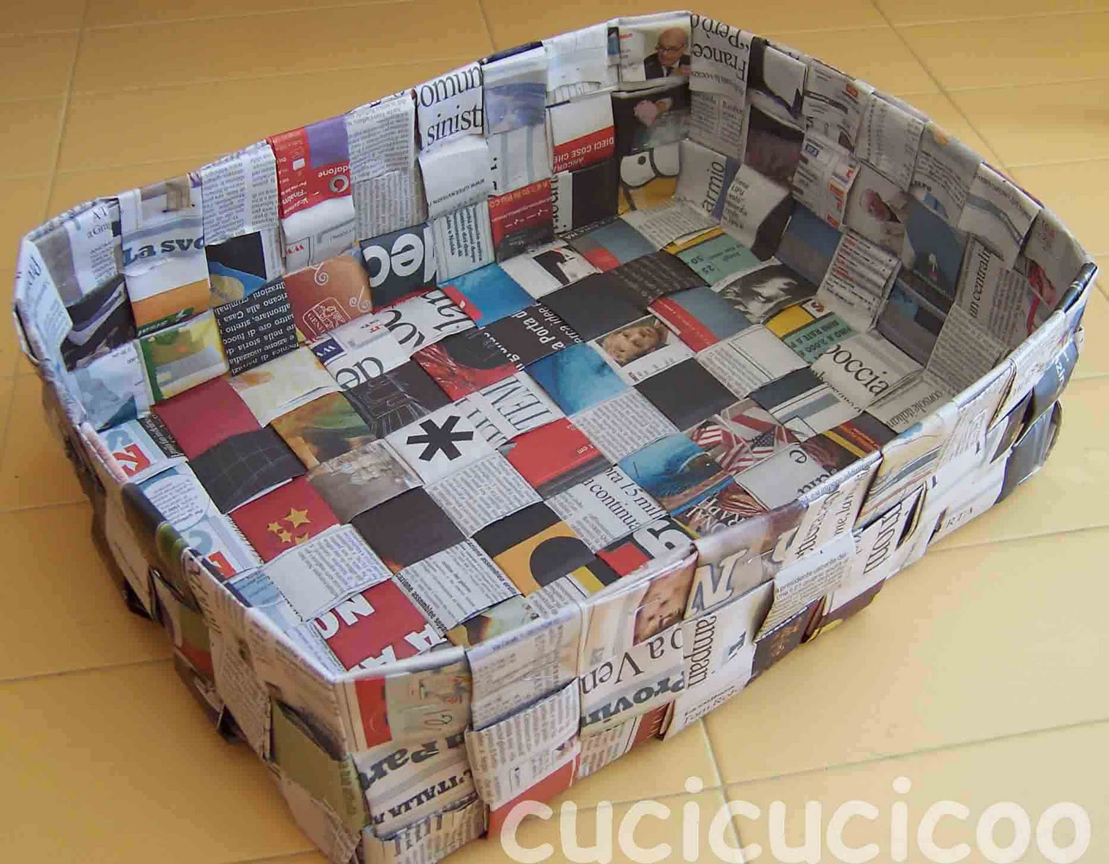 Cose Creative Con La Carta how to make baskets from recycled paper - cucicucicoo