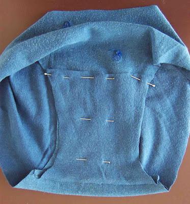 Cartamodello gratuito e tutorial per cucire le mutandine da bambina da una maglietta! www.cucicucicoo.com