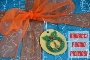 Tutorial: fa dei biglietti regalo da materiali di recupero. www.cucicucicoo.com