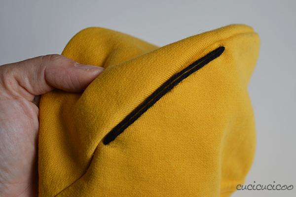 Come mettere i capelli (di lana) su un cappello da Minion (travestimenti Cattivissimo Me)