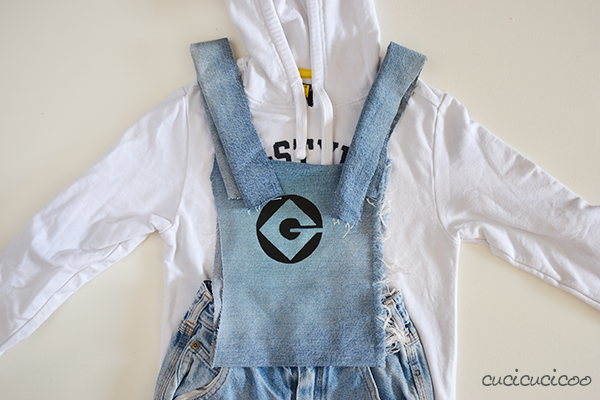 How to make a DIY Stuart Minion costume
