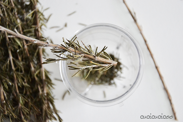 How to make Lemon Rosemary flavored salt: an easy recipe