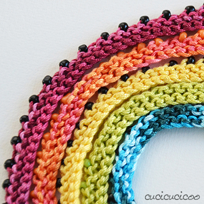 Easy knit rainbow beaded necklaces (beginner knitting)
