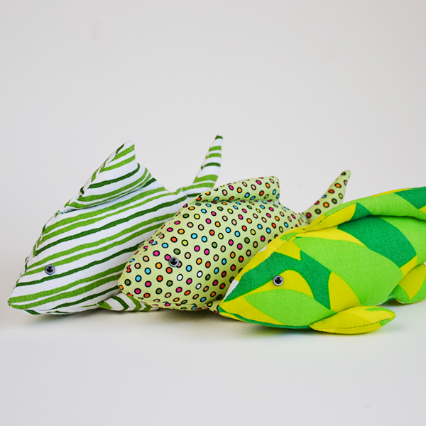 Finger Pocket Fish: a review of the softie toy pattern by Just Bananas over Soft Toys