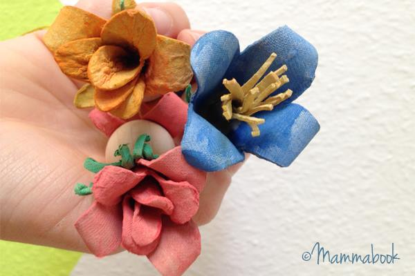 DIY φροντιστήριο: Πώς να κάνει Flower Fairies από χαρτοκιβώτια αυγών upcycled | ένα σεμινάριο Mammabook για www.cucicucicoo.com