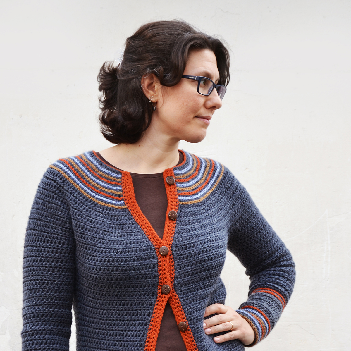 The Saturn Sweater: a crochet sweater with colorful embroidered rings. A pattern review by www.cucicucicoo.com