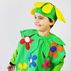 Everyone loves a bright and happy homemade costume, especially if it's covered in flowers! The new Field of Flowers costume has body, hat and neck piece in 11 sizes, so everyone in the family can dress up!