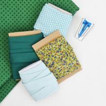 Lo sbieco handmade è bello perché si abbina perfettamente ai tuoi progetti! Impara come fare lo sbieco da un quadrato di stoffa per evitare sprechi di tempo e tessuto! #sbieco #cucire #cucito