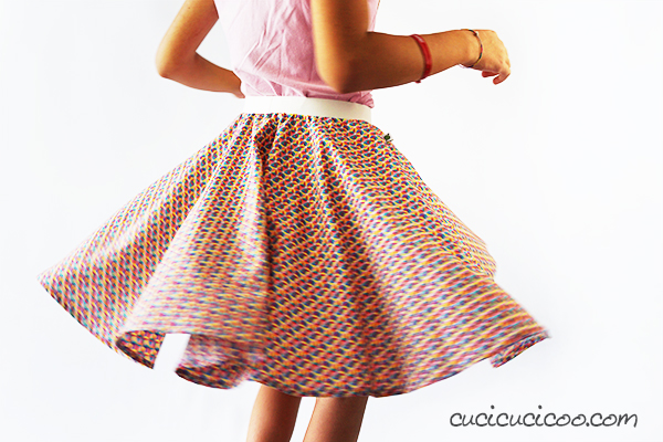 Free Template! How to make a circle skirt with directional ...