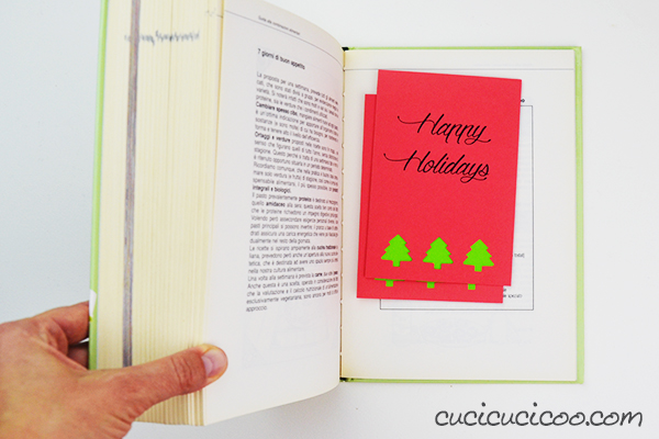 Send your loved ones DIY greeting cards this holiday season with these FREE printable holiday cards to print out and decorate with punched cutouts and contrasting paper colors. A simple project for all skills! #diycards #printablecards #diyholidaycards