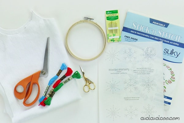 Materials to embroider snowflakes with free pattern by Cucicucicoo.com