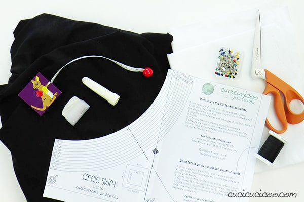 Materials to sew an easy Halloween cloak with a rigid collar