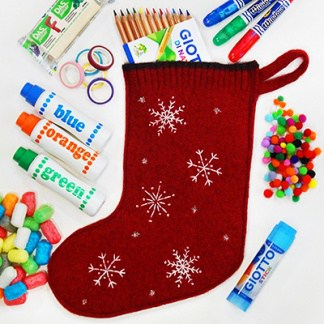 Skip the junk food and toys this year with this list of the best stocking stuffers for crafty kids to stimulate their creativity and manual skills. #stockingstuffers #christmasstocking
