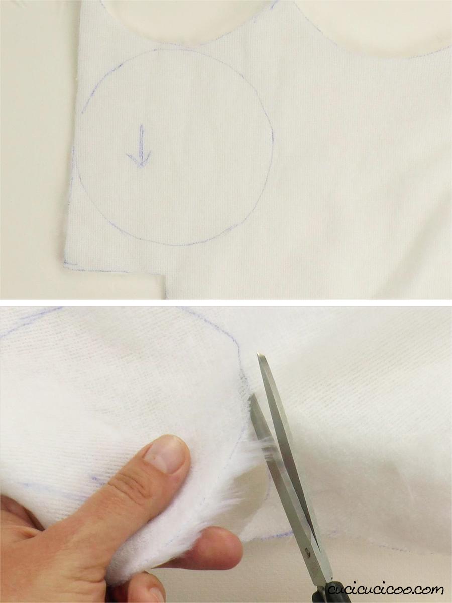 Taglia la stoffa di pelliccia sintetica per cucire il pompon per il cappello di Babbo Natale. (con cartamodello gratuito)