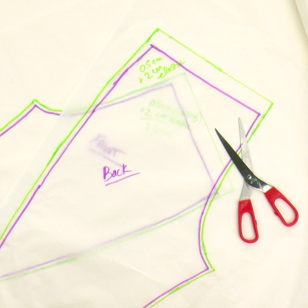 Make your own DIY pajama pants pattern in just 10 minutes by tracing a pair of your pants that fit you correctly. This tutorial gives really useful tips for drafting the sewing pattern perfectly! #patterndrafting #diysewingpattern