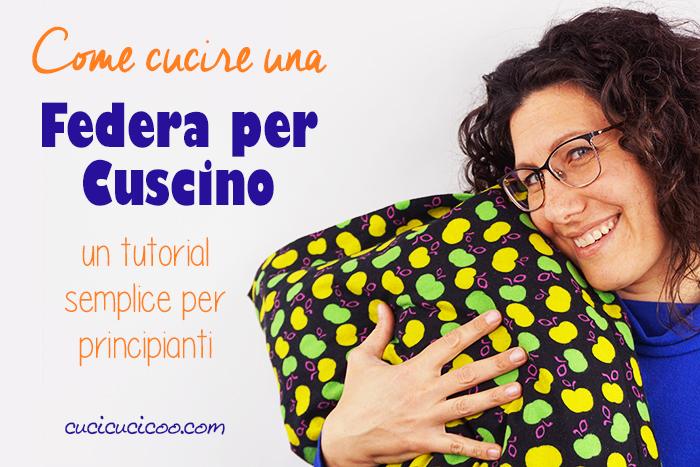 Personalizza il letto con questo tutorial, e impara come cucire una federa per cuscino con chiusura a busta e balze decorative! Un progetto di cucito semplice da completare in 15 minuti, perfetto per principianti! #cuscinofaidate #cucito