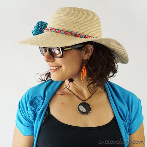 Realizza un sottogola semplice da una treccia di filato per tenere il cappello di paglia fermo sulla testa